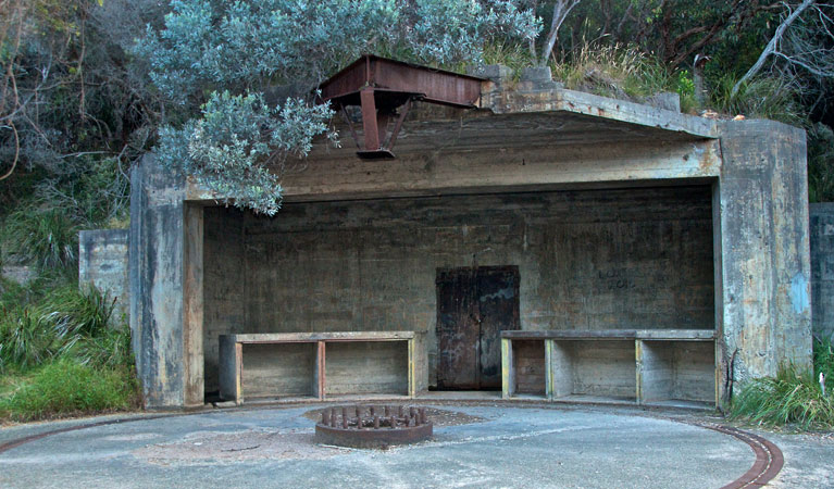 Tomaree-world-war-II-gun-emplacements-on-tomaree-head-01.ashx