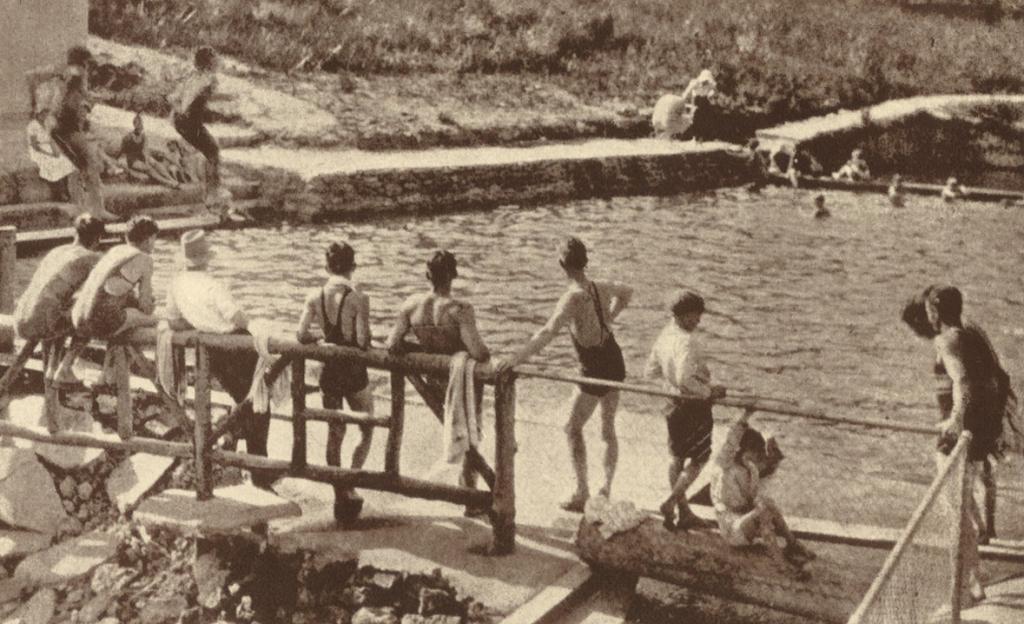 Hazelbrook Public Baths